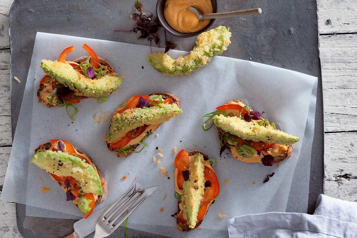 frittierte avocados mit veganer paprika mayonnaise rezept. Black Bedroom Furniture Sets. Home Design Ideas