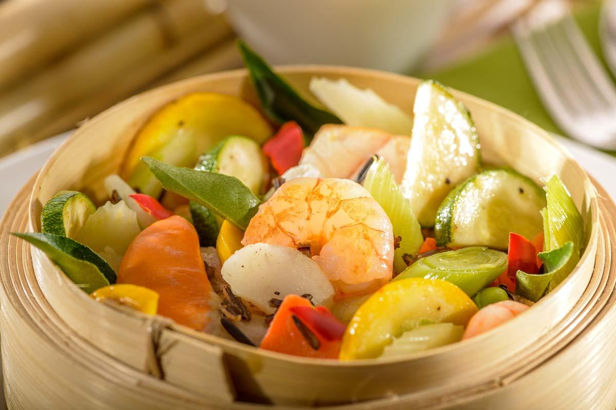 Im Bambuskorb Gedampfter Edelfisch Mit Hummersauce Und Wildreis Rezept