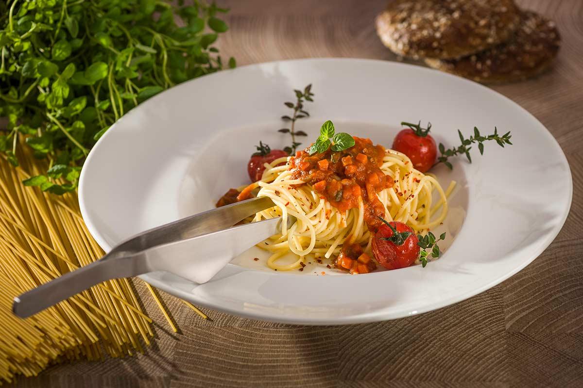 vegetarische spaghetti nach bologneser art rezept. Black Bedroom Furniture Sets. Home Design Ideas