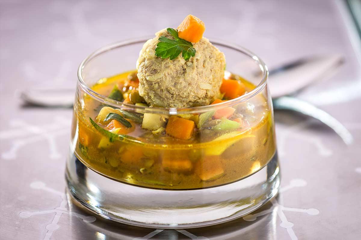 Indischer Linseneintopf Mit Süßkartoffeln Und Schweinebällchen Rezept